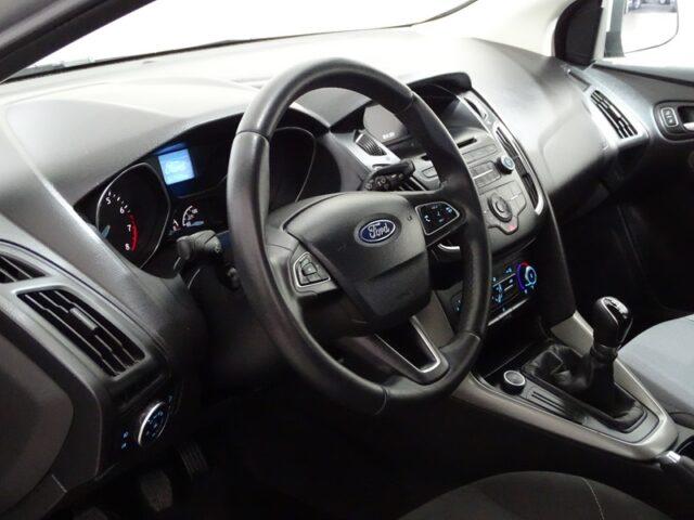 Ford Focus Hatch 1.6 (6412)