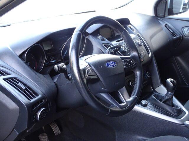 Ford Focus Hatch 1.6 (3025)